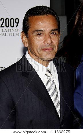 Antonio Villaraigosa at the 13th Annual LALIFF Opening Night & Gabi Lifetime Achievement Award Gala held at the Grauman's Chinese Theater in Hollywood, USA on October 11, 2009.