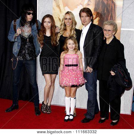 Trace Cyrus, Brandi Cyrus, Noah Cyrus, Tish Cyrus, Billy Ray Cyrus and Loretta Finley at the World Premiere of