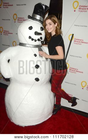 LOS ANGELES - DEC 12:  Jen Lilley at the Childrens Miracle Network Winter Wonderland Ball, at the Avalon Hollywood on December 12, 2015 in Los Angeles, CA