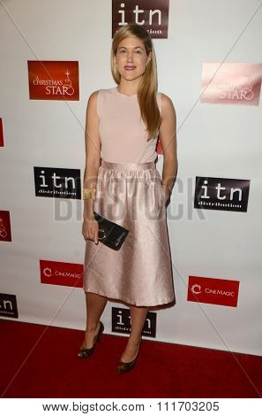 LOS ANGELES - DEC 10:  Charity Wakefield at the A Christmas Star Premiere at the TCL Chinese 6 Theaters on December 10, 2015 in Los Angeles, CA