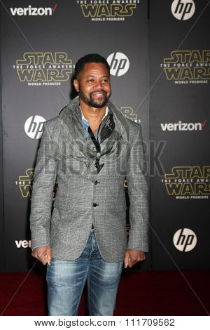 LOS ANGELES - DEC 14:  Cuba Gooding Jr at the Star Wars: The Force Awakens World Premiere at the Hollywood & Highland on December 14, 2015 in Los Angeles, CA