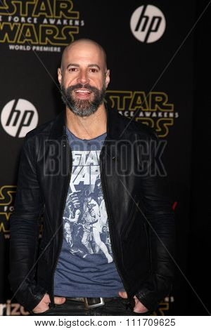 LOS ANGELES - DEC 14:  Chris Daughtry at the Star Wars: The Force Awakens World Premiere at the Hollywood & Highland on December 14, 2015 in Los Angeles, CA