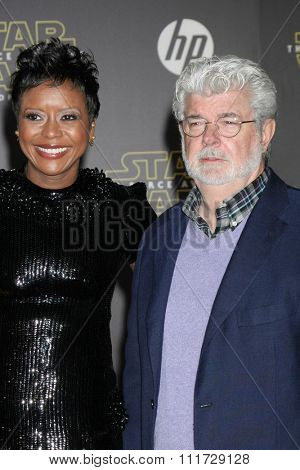 LOS ANGELES - DEC 14:  Mellody Hobson, George Lucas at the Star Wars: The Force Awakens World Premiere at the Hollywood & Highland on December 14, 2015 in Los Angeles, CA