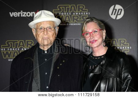 LOS ANGELES - DEC 14:  Norman Lear at the Star Wars: The Force Awakens World Premiere at the Hollywood & Highland on December 14, 2015 in Los Angeles, CA