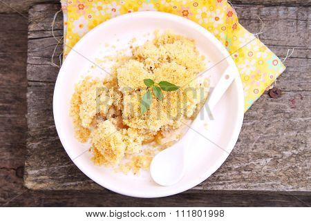 Crumble With Apple And Cinnamon