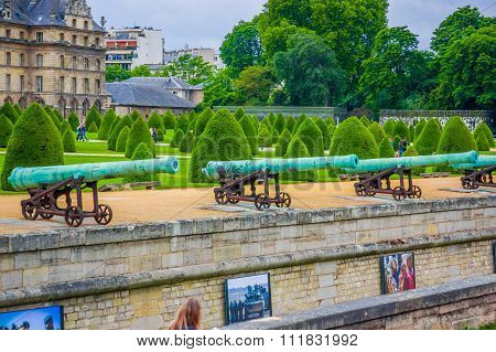 Les Invalids gardens, Paris, France