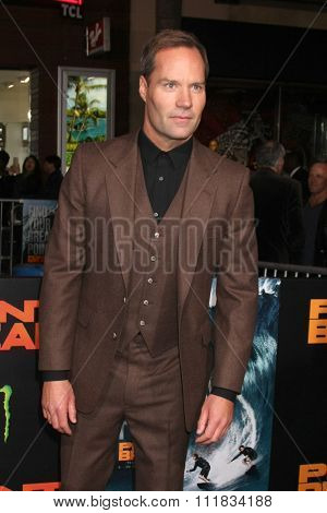LOS ANGELES - DEC 15:  BoJesse Christopher at the Point Break Premiere at the TCL Chinese Theater on December 15, 2015 in Los Angeles, CA