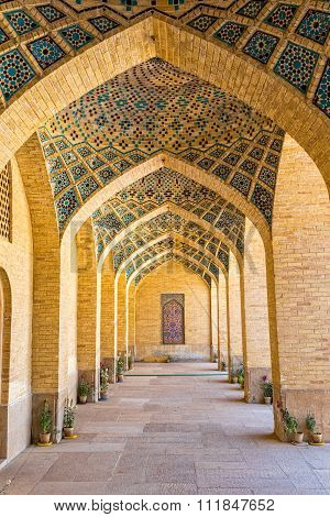 Nasir al-Mulk Mosque arcade hall vertical