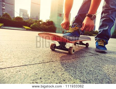 skateboarding at city