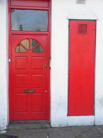 pic of front door  - the classic red british door in london - JPG