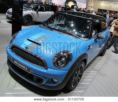 Blue Mini Cooper S Bayswater