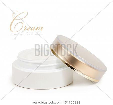 Container Creme isoliert auf weißem Hintergrund