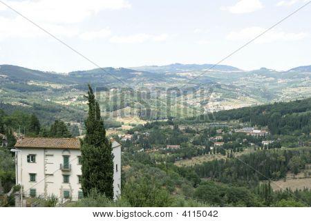 Italian House Overlooking Tuscan Hills