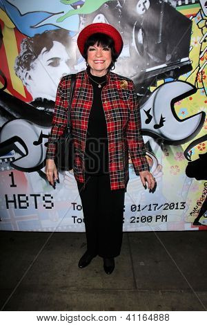 LOS ANGELES - JAN 17:  JoAnne Worley arrives at the