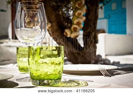 Table Setting For Al Fresco Dining