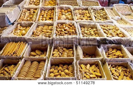 Different Kinds Of Dry Pastry
