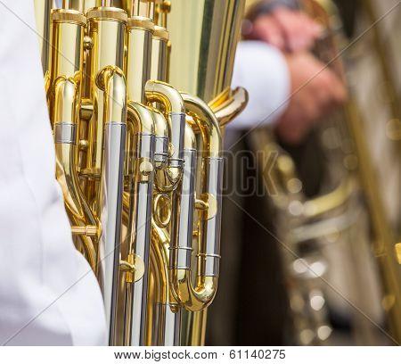 Golden Tuba Mechanism