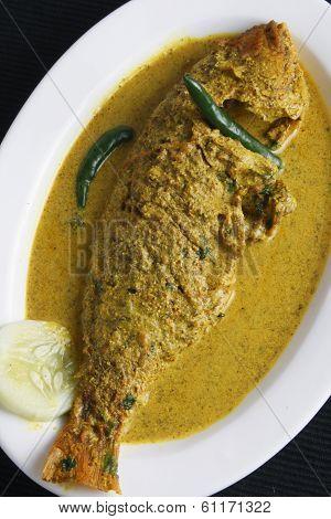 Maacher Jhol - A Bengali Fish Curry