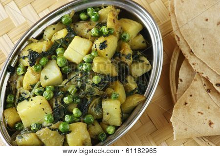 Saag Aloo Bhuna - Potato And Spinach Dish