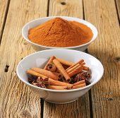 pic of cinnamon  - two bowls with ground cinnamon - JPG