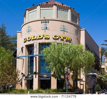 Gold's Gym Exterior.