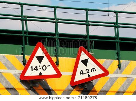 Bridge height signs