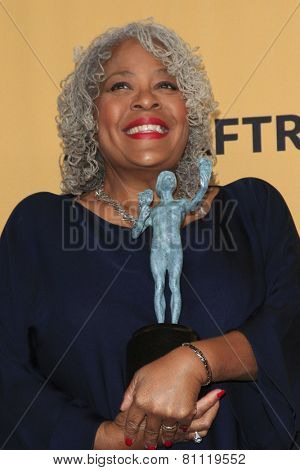 LOS ANGELES - JAN 25:  Yvette Freeman at the 2015 Screen Actor Guild Awards at the Shrine Auditorium on January 25, 2015 in Los Angeles, CA