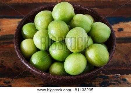 Brazilian Fruit Spondias Tuberosa (brazil Plum, Imbu, Umbu) In Bowl On Table