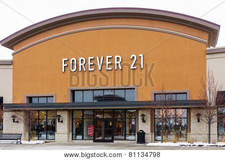 Forever 21 Retail Store Exterior