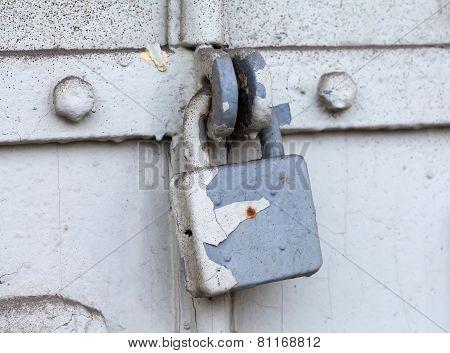 Classic Hanging Lock.