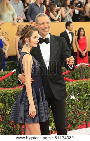 LOS ANGELES - JAN 25:  Emilie Livingston, Jeff Goldblum at the 2015 Screen Actor Guild Awards at the Shrine Auditorium on January 25, 2015 in Los Angeles, CA