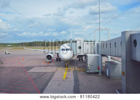 Docked aircraft in the Helsinki Airport