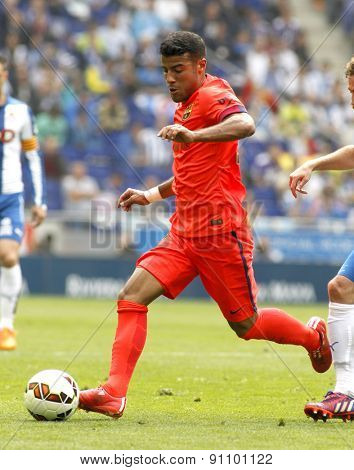 BARCELONA - APRIL, 25: Rafinha Alcantara of FC Barcelona during a Spanish League match against RCD Espanyol at the Power8 stadium on April 25, 2015 in Barcelona, Spain