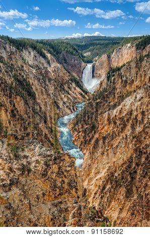 Landscape View At Grand Canyon Of Yellowstone, Usa