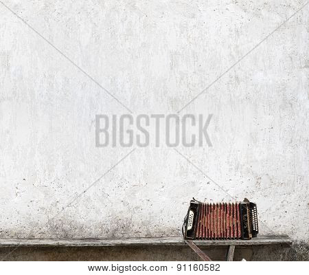 accordion on the bench