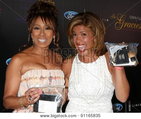 LOS ANGELES - MAY 19:  Tamara Tunie, Hoda Kotb at the 40th Anniversary Gracies Awards at the Beverly Hilton Hotel on May 19, 2015 in Beverly Hills, CA