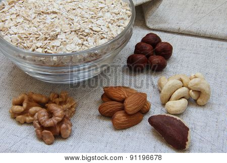 Particularly Gentle Oatmeal With Nuts