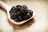 pic of prunes  - Healthy food good cuisine - JPG