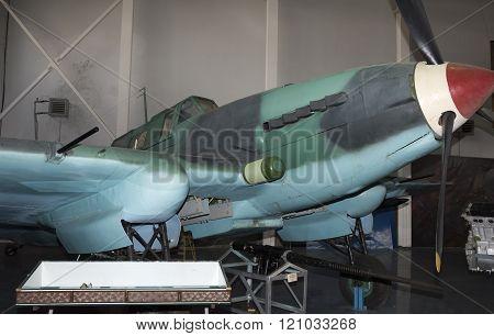 Yak-9U- Frontline Fighter (1943).max. Speed,km / H-700