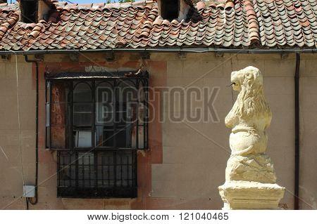 Mediterranean House with Lion