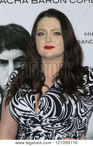 LOS ANGELES - MAR 3: Lauren Ash at the Premiere of 'The Brothers Grimsby' at the Regency Village Theater on March 3, 2016 in Los Angeles, California