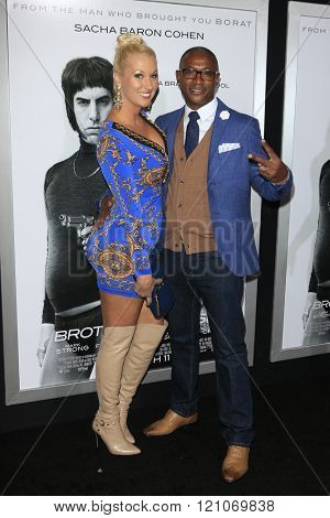 LOS ANGELES - MAR 3: Tommy Davidson at the Premiere of 'The Brothers Grimsby' at the Regency Village Theater on March 3, 2016 in Los Angeles, California