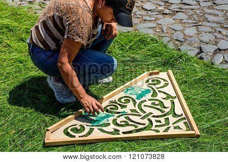 Making Dyed Sawdust Pattern On Pine Needle Lent Carpet, Antigua, Guatemala
