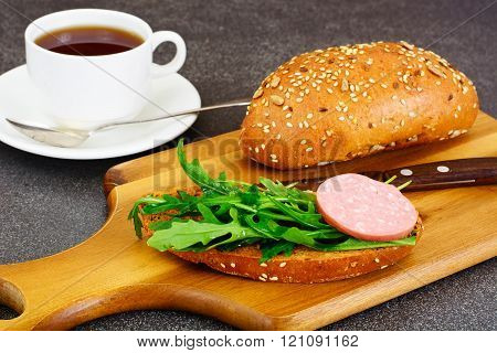 Sandwiches for Breakfast to Student with Salami, Arugula and