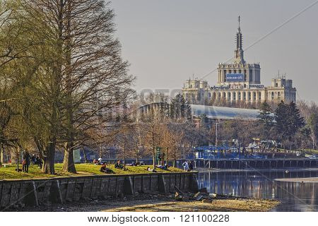 Herastrau Park And Free Press House