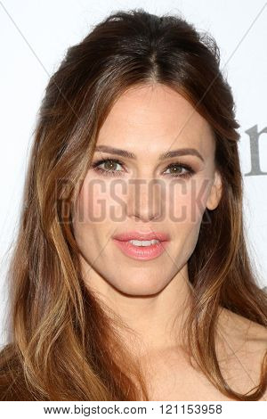 LOS ANGELES - MAR 9:  Jennifer Garner at the Miracles From Heaven Premiere at the ArcLight Hollywood Theaters on March 9, 2016 in Los Angeles, CA