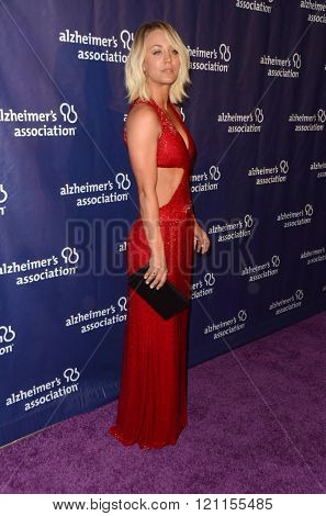 LOS ANGELES - MAR 9:  Kaley Cuoco at the A Night at Sardis - 2016 Alzheimer's Association Event at the Beverly Hilton Hotel on March 9, 2016 in Beverly Hills, CA
