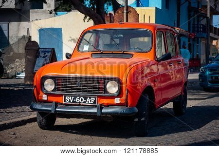 Renault 4 Tl Small Economy Car