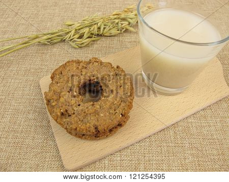 Oat cookies and oat drink