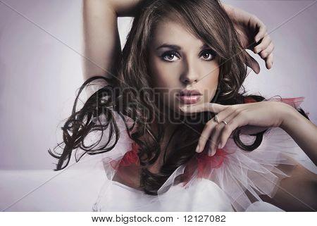 Porträt eine Brünette Schönheit